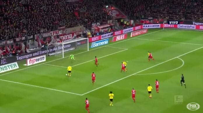 Lukas Hradecky Leverkusen Dortmund